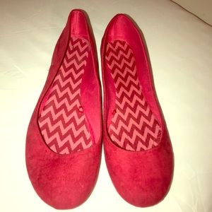 Shoes - Red size 11 fabric flats